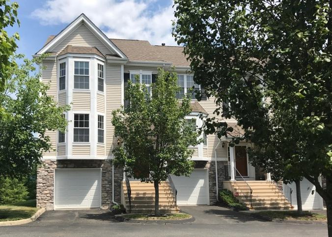 Danbury Townhomes Amp Condominiums